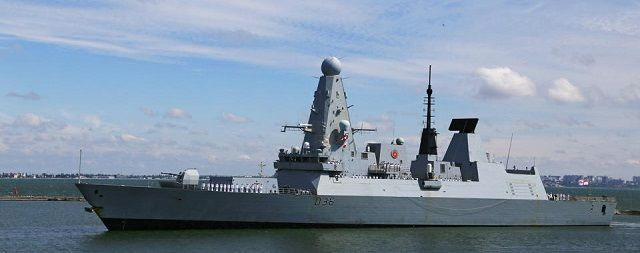 Общество: Забытые на остановке документы по скандалу с эсминцем Defender опубликовали в Британии