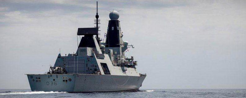 Общество: На автобусной остановке в Британии нашли секретные документы о проходе эсминца возле Крыма