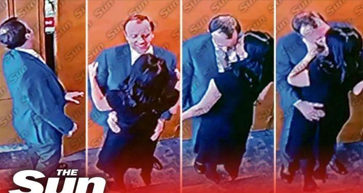 Общество: Скандал в Британии: Хэнкок подал в отставку после публикации кадров поцелуя с подчиненной