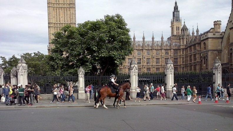 Общество: Туристам из Великобритании могут запретить въезд в Евросоюз из-за COVID-19