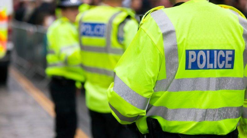 Общество: В Британии арестованы 50 участников несанкционированной вечеринки