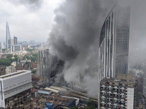 Общество: В Лондоне на одной из станций метро произошел мощный взрыв