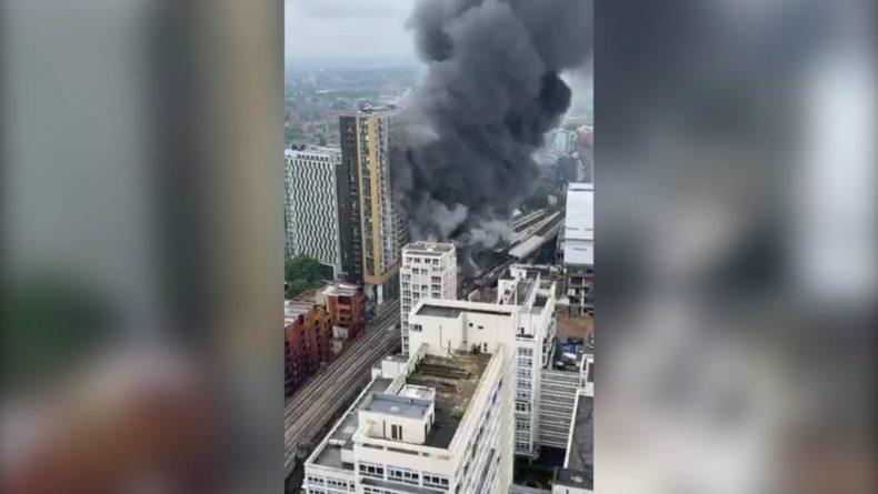 Общество: Мощный взрыв вызвал пожар в центре Лондона