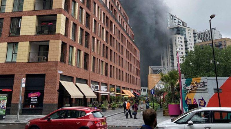 Общество: Пожар возле станции метро в Лондоне локализован