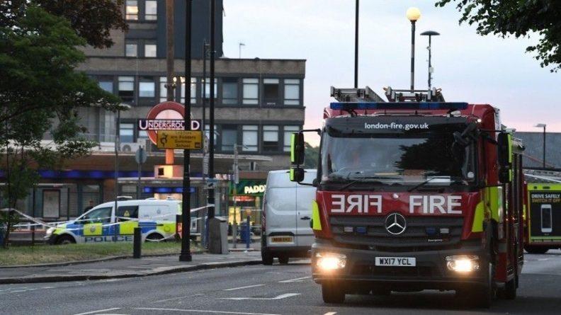 Общество: Взрыв в Лондоне: двое человек пострадали, пожар локализован
