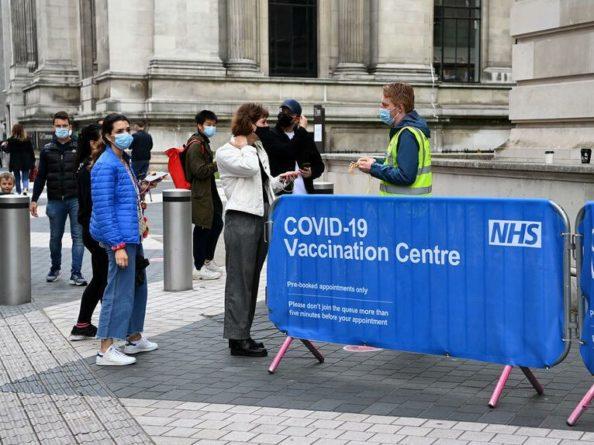 Общество: В Британии зафиксировали резкий скачок суточных случаев COVID-19