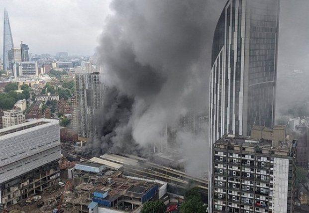 Общество: В Лондоне произошел сильный пожар на ж/д станции, есть пострадавшие (фото)