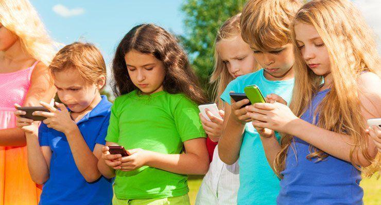 Общество: В Великобритании планируют ввести запрет на пользование телефонов в школе