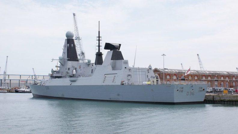 Общество: В Британии прокомментировали потерю документов об эсминце Defender