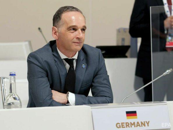 Общество: Министр иностранных дел ФРГ проспорил ящик пива главе МИД Великобритании