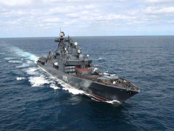 Общество: «Классическая дезинформация»: посол РФ в Лондоне оценил заявления о российских кораблях в британских водах