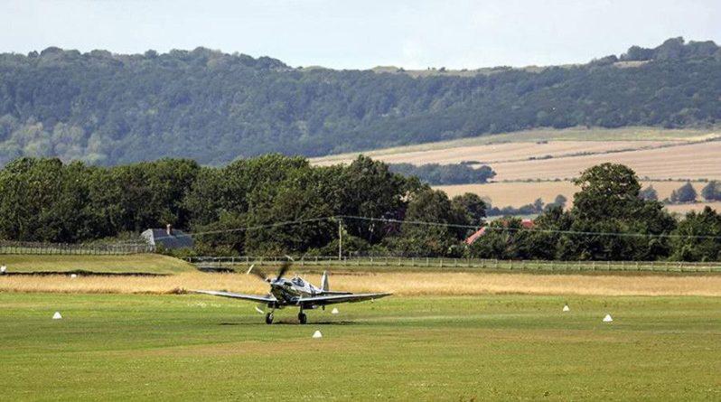 Общество: В Великобритании при крушении самолета погибли два человека