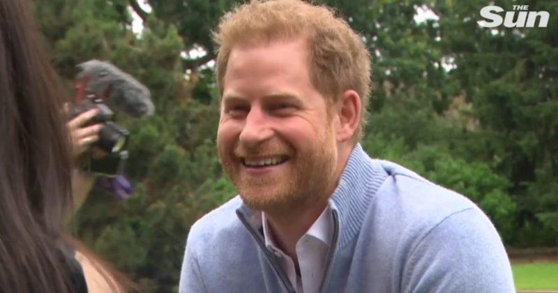 Общество: Поговорил с братом и рассказал о дочери: принц Гарри вернулся в Британию