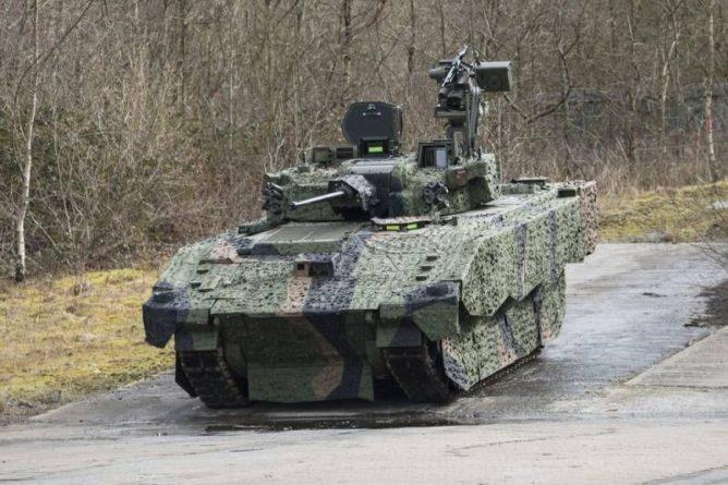 Общество: Опасны для здоровья членов экипажа: В Британии отложены испытания лёгких танков