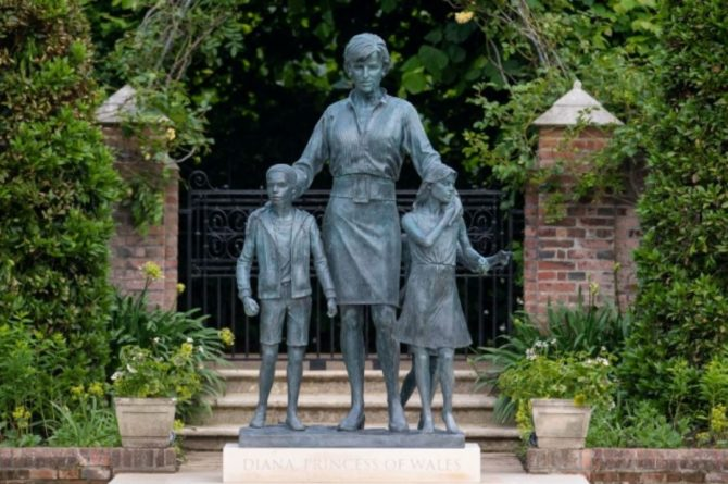 Общество: Принцы Гарри и Уильям открыли памятник принцессе Диане в Лондоне