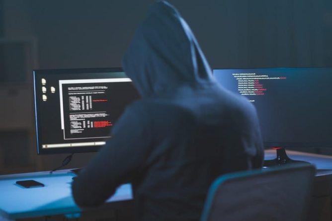 Общество: Великобритания и США обвинили Россию в хакерском терроре и мира