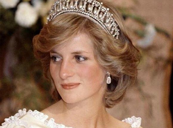 Общество: Принцы Уильям и Гарри открыли памятник принцессе Диане в Лондоне (фото, видео)