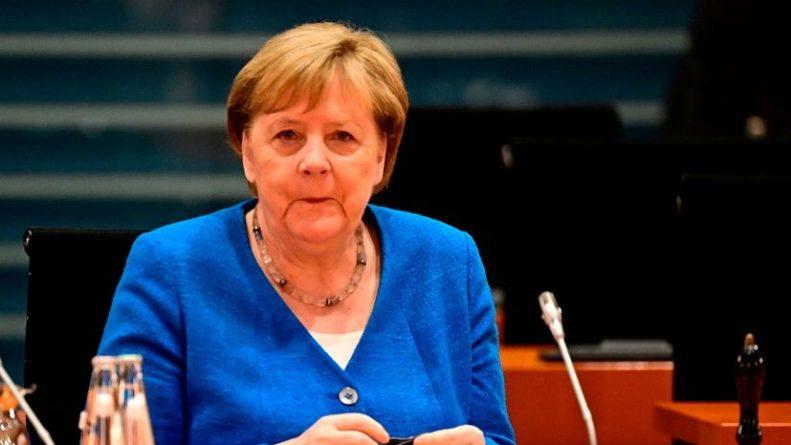 Общество: Меркель: Германия готова к всеобъемлющему договору с Великобританией