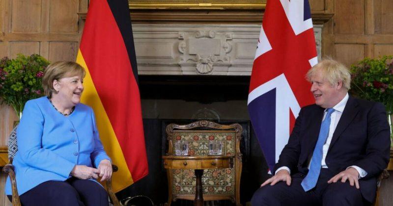 Общество: Меркель последний раз прибыла в Британию в качестве канцлера Германии. Фото