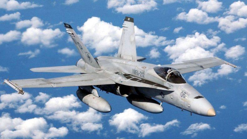 """Общество: Британцы высмеяли журналистов Daily Express за """"пересадку"""" российских летчиков на F/A-18"""