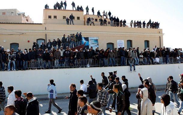 Общество: В Британии увеличат тюремные сроки мигрантам, пересекающим Ла-Манш