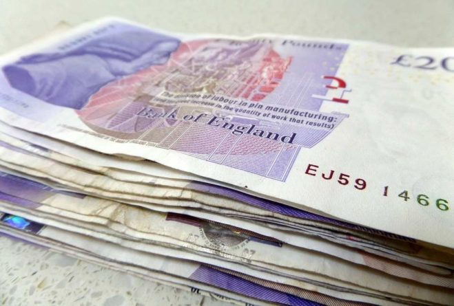 Общество: Житель Великобритании пытался спрятать от жены выигранные в лотерею деньги и лишился £4,8 млн