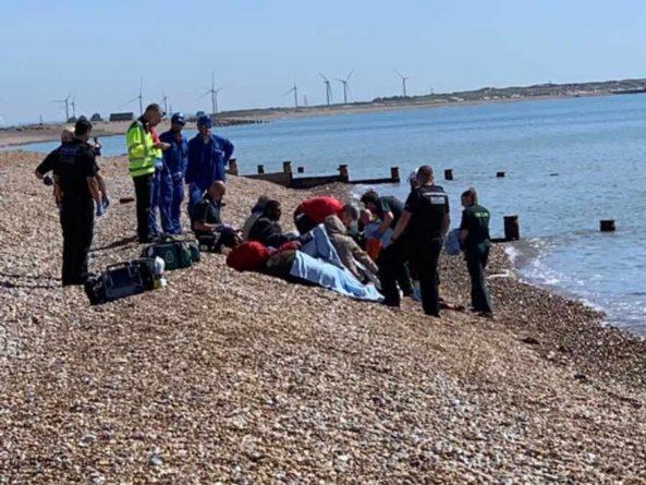 Общество: Британия намерена увеличить тюремные сроки для мигрантов, пересекающим Ла-Манш
