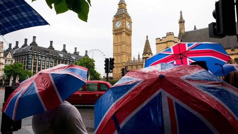 Общество: В Великобритании снимают ограничения на ношение масок и соцдистанцию