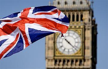 Общество: Британия отменяет обязательный масочный режим