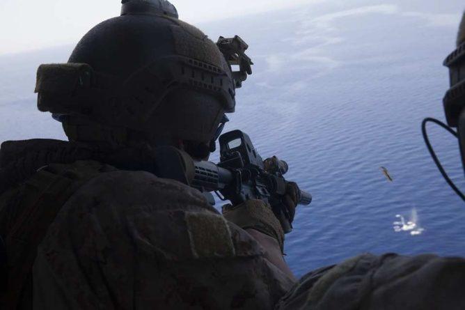 Общество: Великобритания сохранит право наносить удары по террористам в Афганистане после вывода войск