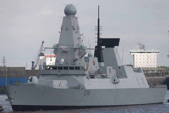 Общество: Великобритания намерена продолжать заходить в «украинские воды» после инцидента с HMS Defender