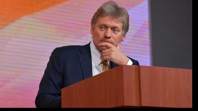 Общество: Песков: Британия и РФ не ведут консультации по вопросу прохода кораблей в Черном море