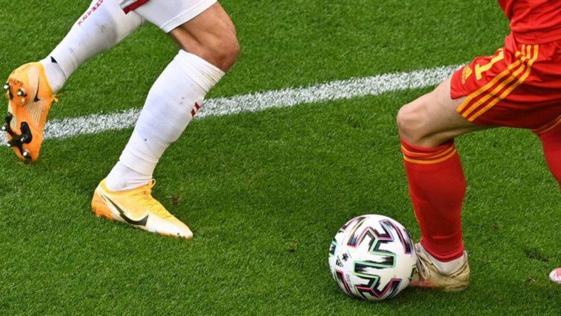Общество: Дания открыла счет в матче Евро-2020 против Англии