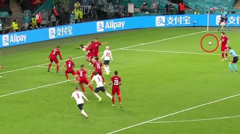 Общество: Мега скандал в полуфинале матча Англия - Дания: судья грубо нарушил правила футбола