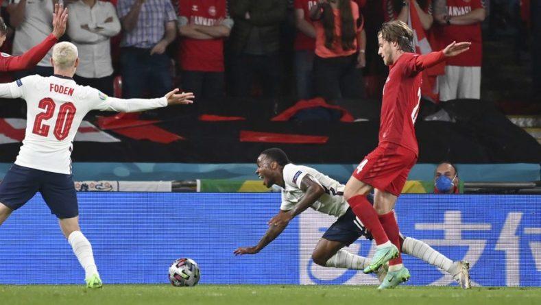 Общество: Тренер сборной Дании считает спорным пенальти в матче с Англией на Евро