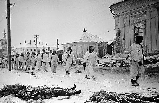 Общество: Опубликованы архивные документы о готовящихся ударах Англии и Франции по СССР