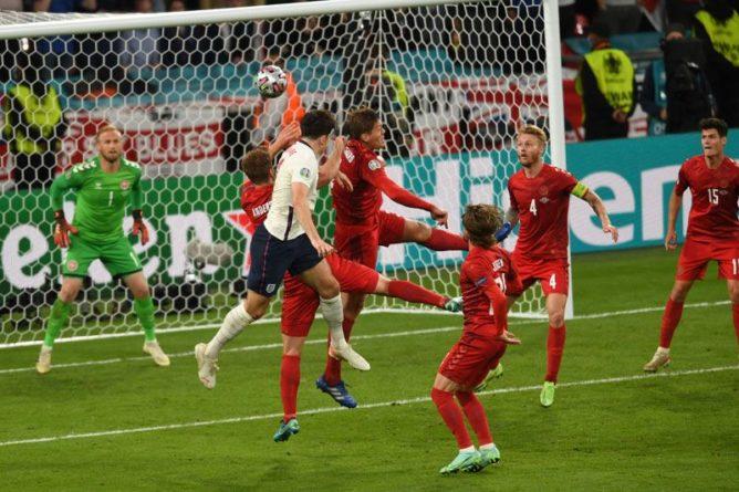 Общество: Англия впервые вышла в финал чемпионата Европы по футболу