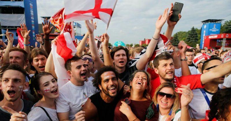 Общество: Фанаты сборной Англии ярко отпраздновали исторический выход команды в финал чемпионата Европы: видео
