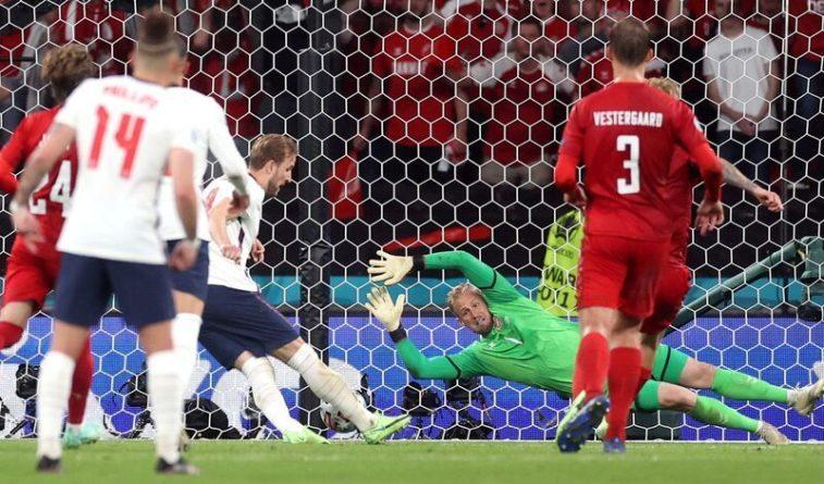Общество: Пенальти сборной Англии в ворота датчан на Евро-2020 назвали позором судейства