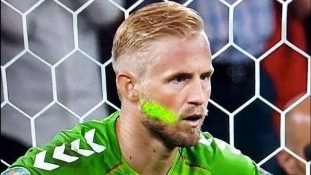 Общество: Лазерная атака на датского кипера помогла англичанам попасть в финал Евро-2020 (ФОТО)