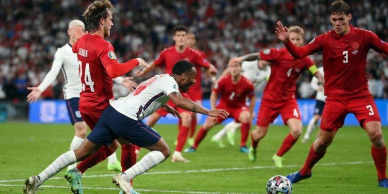 Общество: УЕФА открыл дисциплинарное дело против Англии
