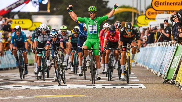 "Общество: Британец Кавендиш повторил рекорд ""Тур де Франс"" по количеству побед"