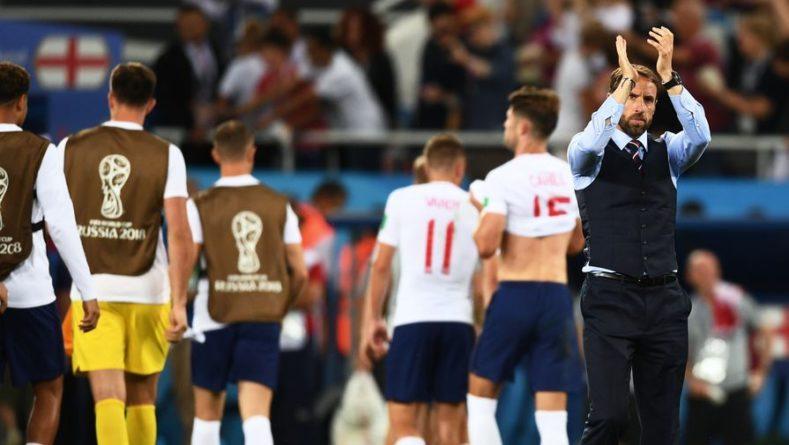 Общество: Тренер сборной Англии отреагировал на письмо от королевы