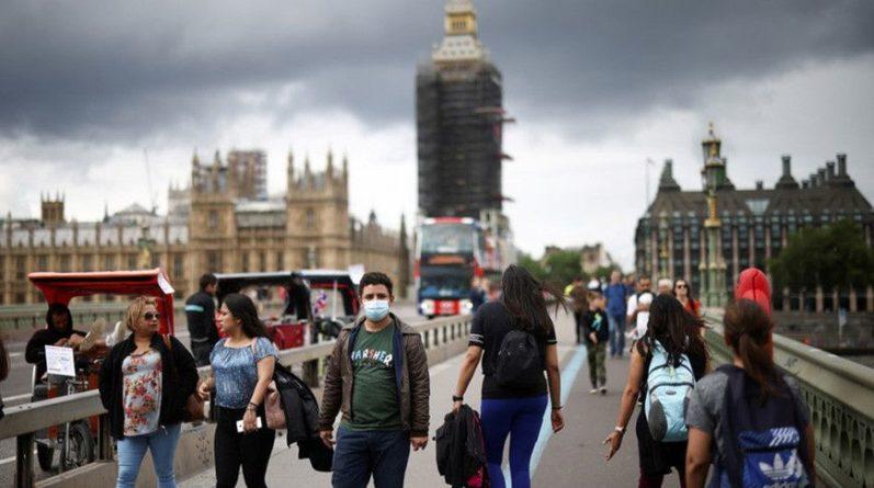 Общество: За сутки в Великобритании зафиксировали более 32 тысяч случаев коронавируса
