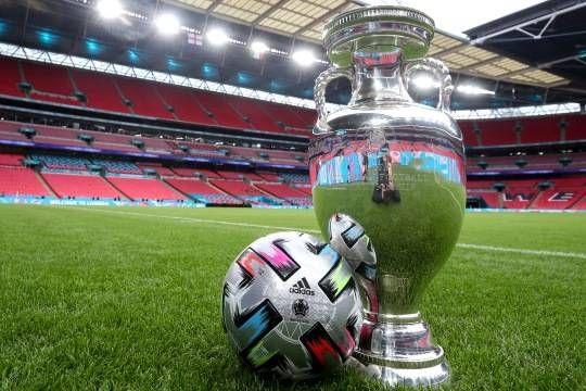 Общество: Сегодня болельщики смотрят финал чемпионата Европы по футболу – матч Италия – Англия