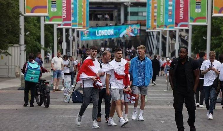 """Общество: """"Тот самый день!"""" Англия сходит с ума в ожидании финала"""