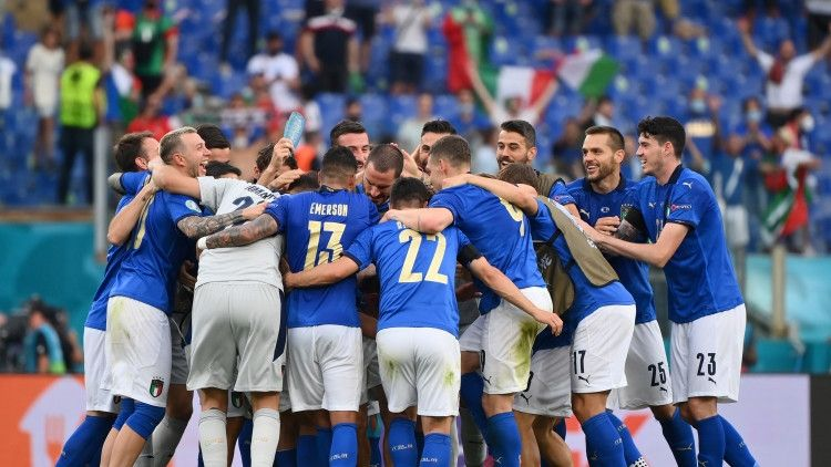 Общество: Тренерские штабы сборных Италии и Англии назвали составы на финал Евро-2020