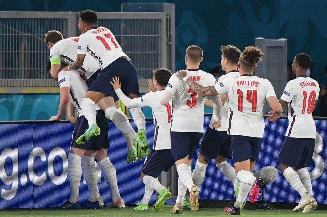 Общество: Англия выигрывает у Италии после первого тайма финала Евро-2020