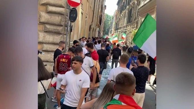 Общество: Италия сравняла счет в матче против Англии