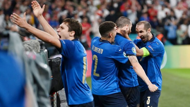 Общество: Сборная Италии обыграла Англию в финале Евро-2020